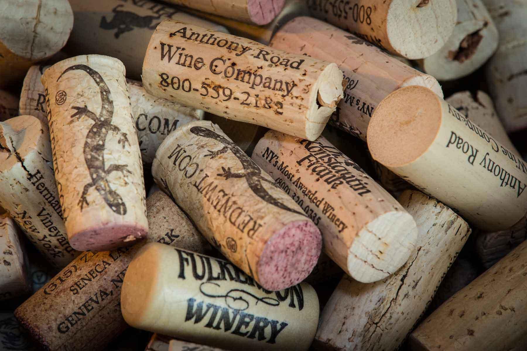slide_corks